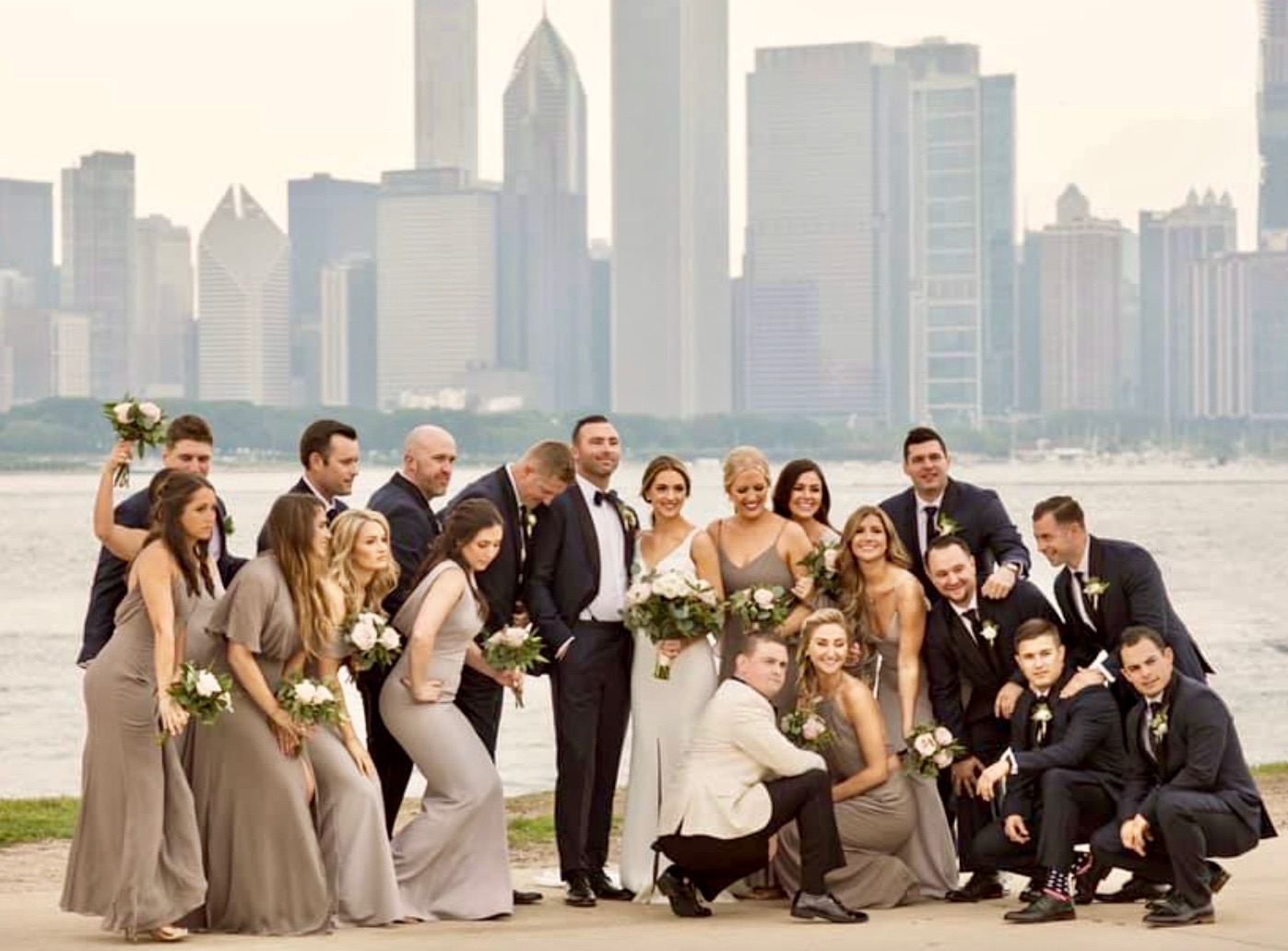 Wedding party with the Chicago skyline in the background